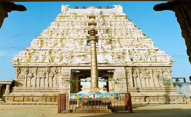 Hegemonic Battle In Ahobilam Temple - Sakshi