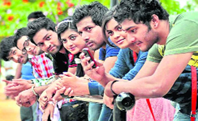 Youth Population 25 Percent Down in India - Sakshi