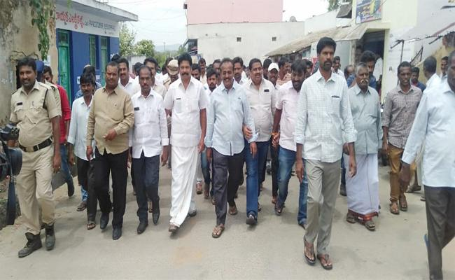 NRI Abdul Ali Fraud In Their Adopted Village Chittoor - Sakshi