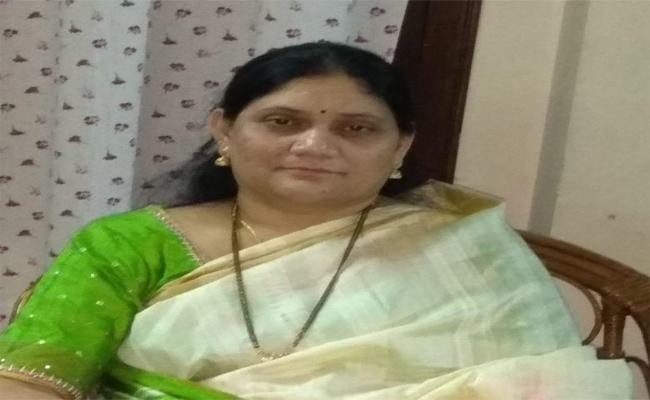 Drug Control Additional Director Died In Road Accident In Khammam  - Sakshi