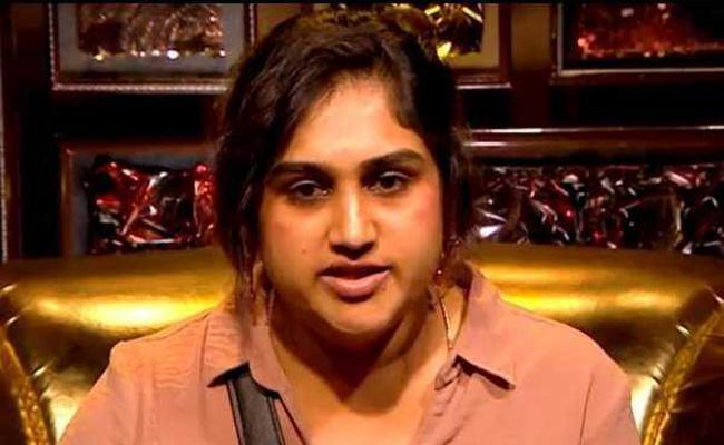 Police interrogate Vanitha Vijayakumar for two hours inside Bigg boss 3 house - Sakshi