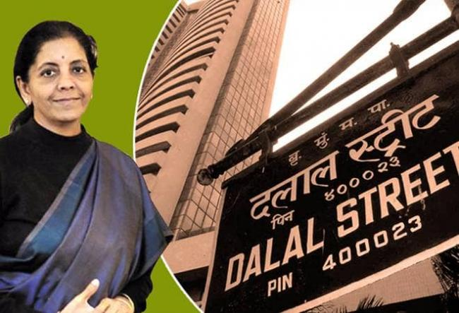 Sensex tanks And Nifty  slips into11900 level Sitharaman speech - Sakshi