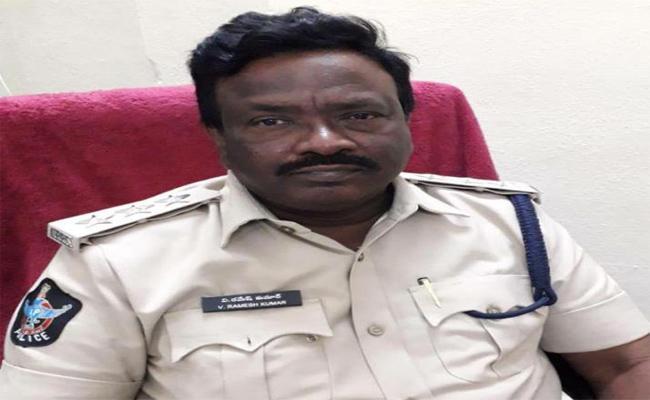 DSP Suspended By Misbehaving With Women Guntur - Sakshi
