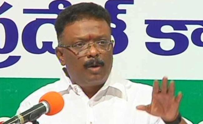 Dasoju Sravan Slams TRS Government Over Samagra Vedika - Sakshi