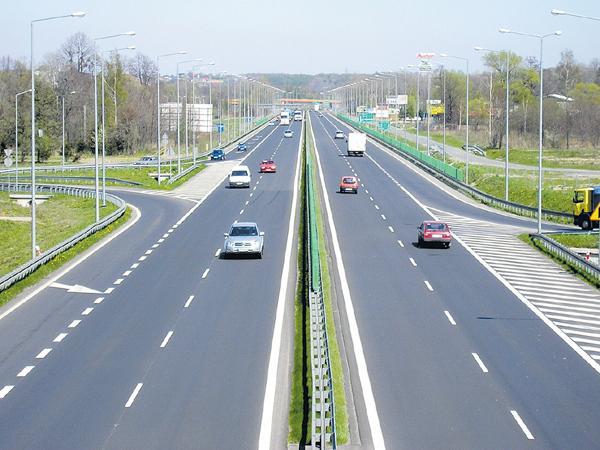 Huge focus on infrastructure investment - Sakshi