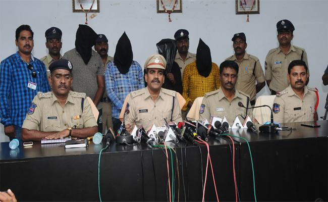 Wife Killed Husband,Due To Illegal Affair With Other Person - Sakshi