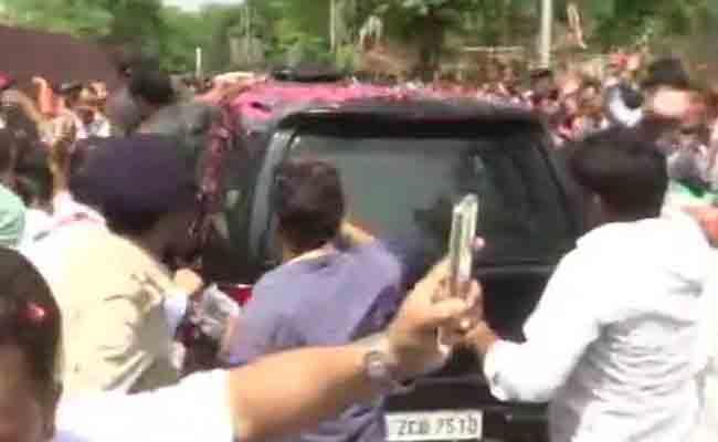 Rahul Gandhi Arrives Patna Court Over Defamation Case - Sakshi