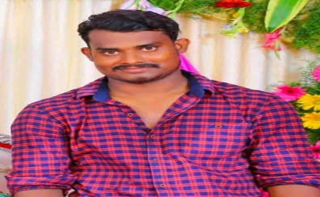 Man Commits Suicide Due To Love Failure In Visakhapatnam - Sakshi