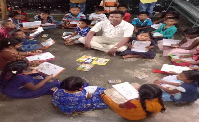 YS Jagan Mohan Reddy Says No School Bag On Third Saturday - Sakshi