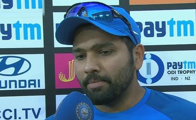 Rohit Sharma Shares Chat With Yuvraj Singh In IPL - Sakshi