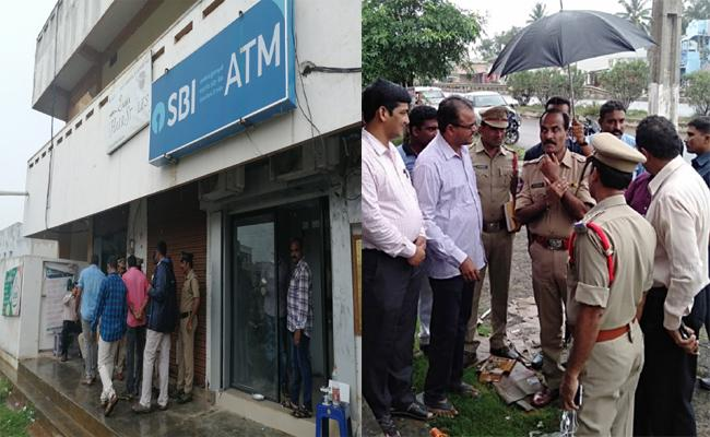 Thieves Looted ATM Machine in Srikakulam - Sakshi