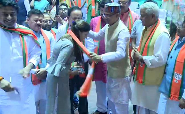 Sapna Choudhary joins BJP in Delhi - Sakshi