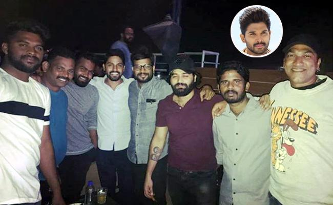Allu Arjun Shares His Staff Party Photo - Sakshi