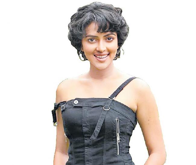 amala paul new movie aadai trailer launch - Sakshi