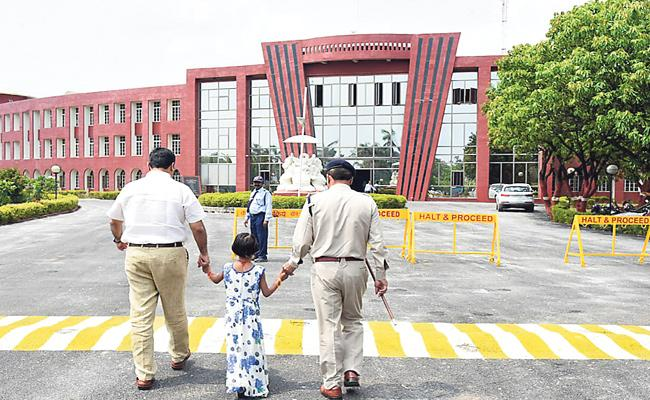IAS Officer Admits Prison Inmates Daughter In International School - Sakshi