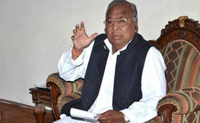 V Hanumantha Rao Comment On OBC Commission - Sakshi