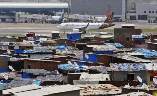 Flight Operations Suspended At Chatrapati Shivaji Airport Due To Hevy Rain - Sakshi