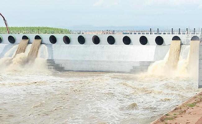 Water Diversion From Medigadda To Annaram - Sakshi