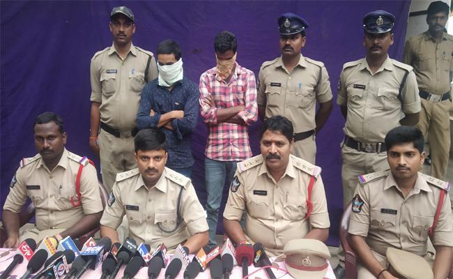 No Prrogress In Police Investigation In West Godavari  - Sakshi