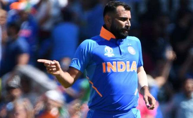World Cup 2019 Fans Wonder Why Shami Has Been Left Out In Semis - Sakshi