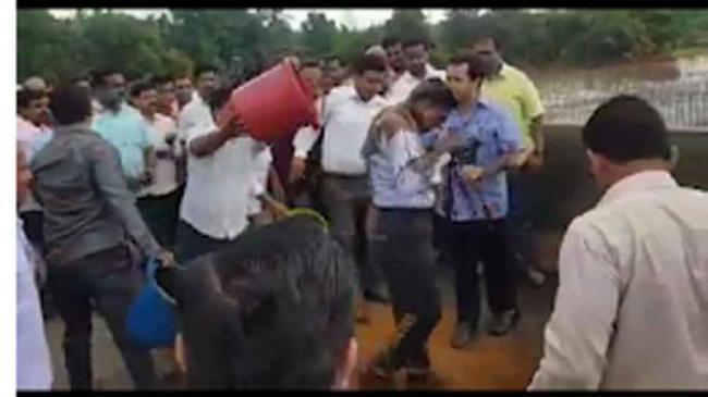 Nitesh Rane Sent To Judicial Custody For Assaulting Engineer - Sakshi
