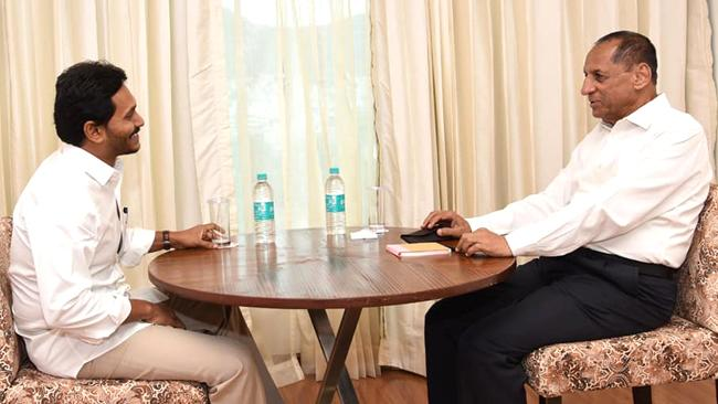 CM YS Jagan Meets Governor Narasimhan Ahead Budget Session - Sakshi