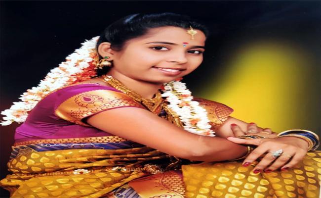 Nandyal Women Was Kidnapped In Hyderabad - Sakshi