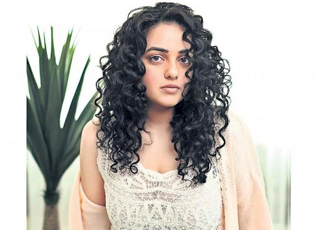 nithya menen saying I am a spontaneous actor not a method actor - Sakshi