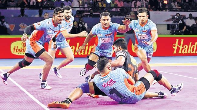 Bengal Warriors edge out U Mumba - Sakshi