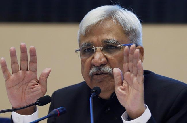 Sunil Arora Says No Question of Going back to Ballot Papers - Sakshi