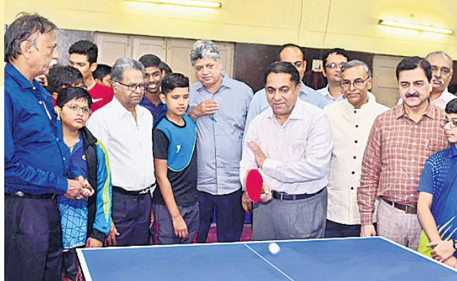 Nivedita And Praneetha Enters Quarters Of Telangana TT Championship - Sakshi
