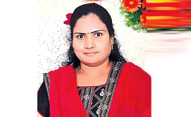 Brother Killed Sister For Gold Jewellery in Hyderabad - Sakshi