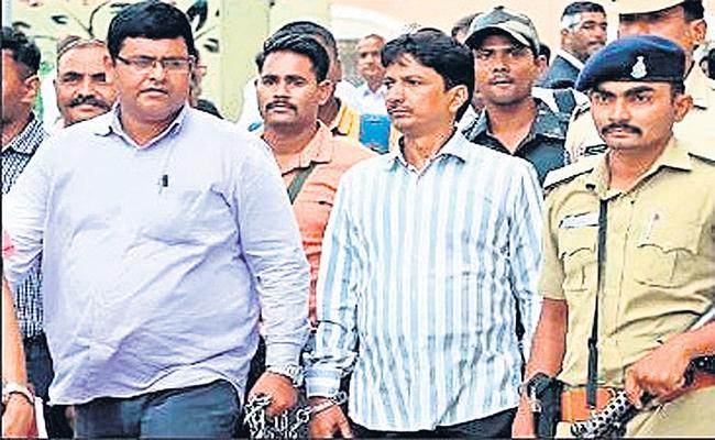 Pranay Murderer Asghar Ali Passing to Gujarath - Sakshi