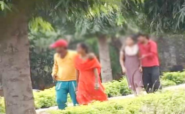 Women Escape With Sister Husband in Karnataka - Sakshi