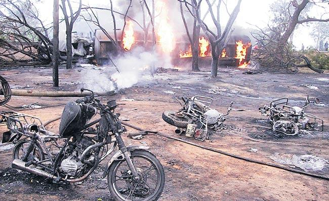 Oil tanker blast in Tanzania kills 62 people - Sakshi