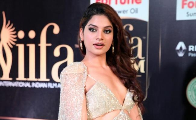 Tanya Hope Romances Harish Kalyan in Vicky Donor Remake - Sakshi