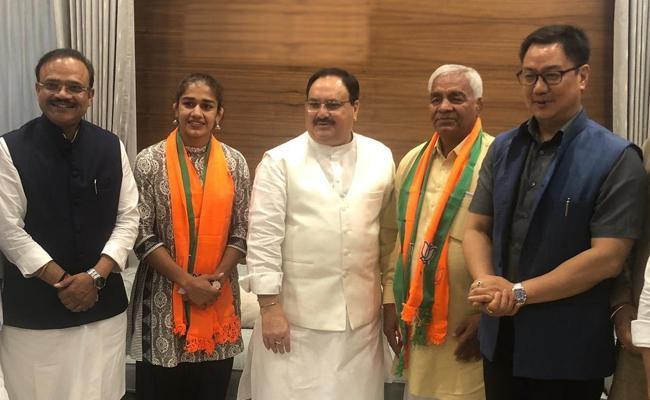 Babita Phogat Joins BJP - Sakshi