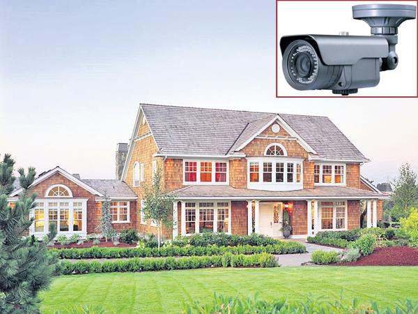 CC Cameras eye on main roads and crowded areas - Sakshi