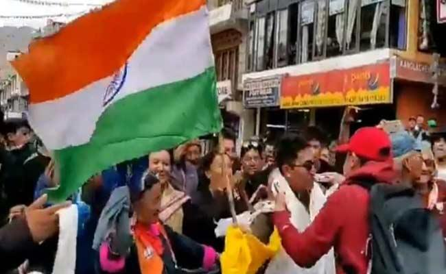 BJP MP Jamyang Namgyal Celebrate Ladakh UT Status - Sakshi