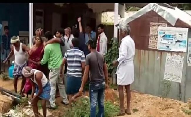 TDP Leaders Beat a Women In Anantapur - Sakshi
