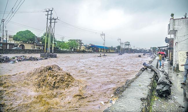 South, west India face devastation after torrential rains, 169 dead in floods - Sakshi