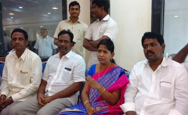 YSRCP MLA Taneti Vanitha Claims On TDP Over Slams In West Godavari - Sakshi