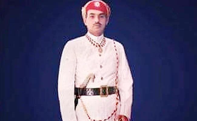 Mewar Udaipur Royal Family Member Claims To Be Lord Ram Descendan - Sakshi