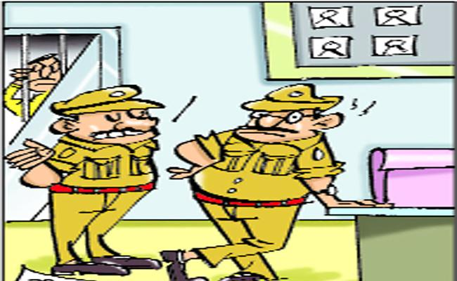 Police Officials Not Obeying Orders Of Their Superiors About There Transffers In Adilabad - Sakshi