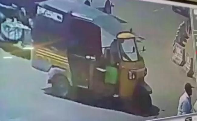 In Vanasthalipuram ATM Robbery Case Police Recovered Only 4 Lakhs - Sakshi