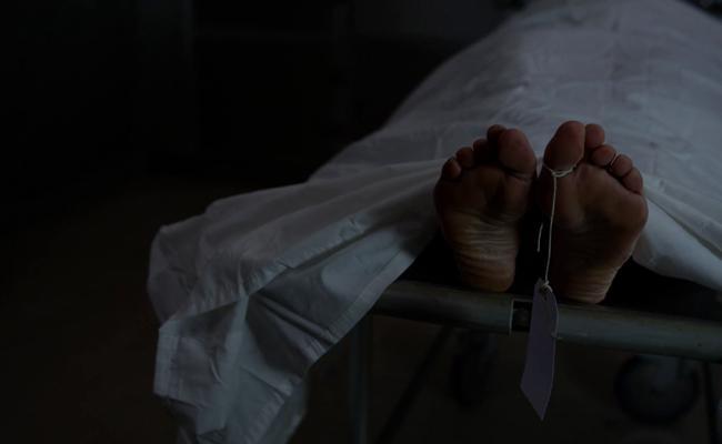 Employee Death Vijayawada Navata Transport - Sakshi