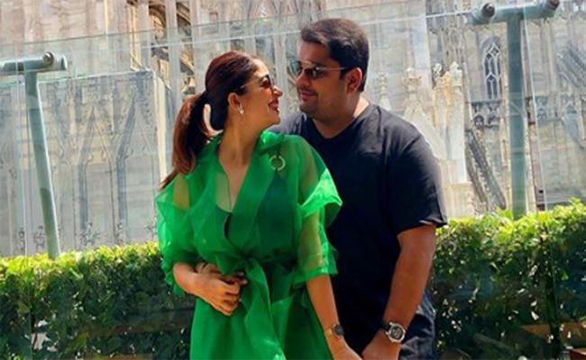 Former Bigg Boss Contestant Nehha Pendse In Love - Sakshi