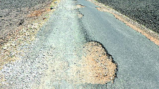 Roads are Not Completed In Kurnool - Sakshi