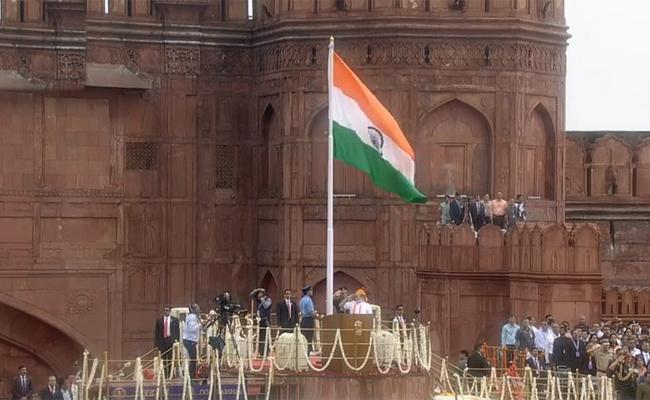 PM Modi Flag Hoisting At Red Fort In Delhi - Sakshi