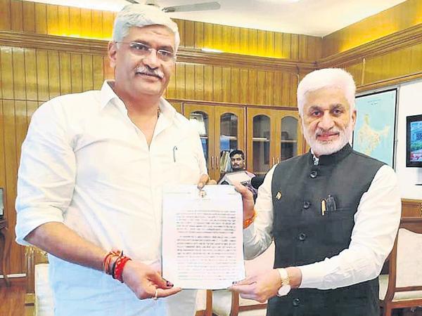 CM YS Jagan letter to Union Minister Gajendra Singh Shekhawat - Sakshi